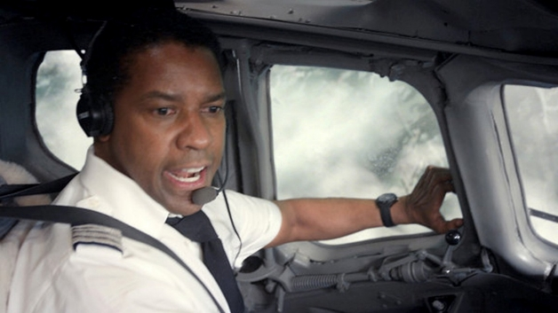 110512-celebs-flight-denzel-washington